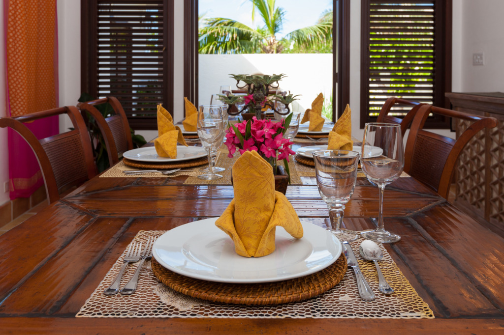 Anguilla Villa Alegria Dining Table_1080